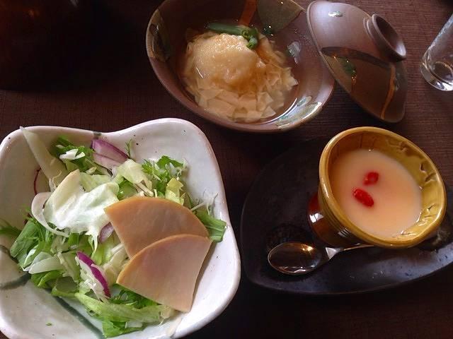 サラダと煮物.jpg
