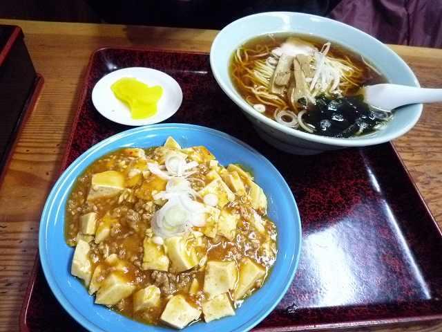 ラーメンと麻婆豆腐.jpg