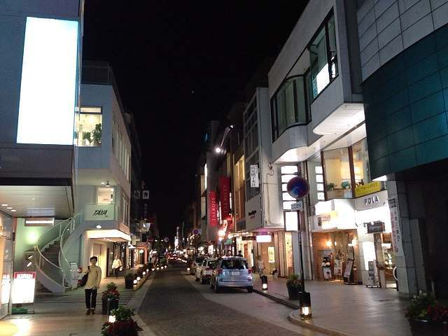 元町の夜.jpg
