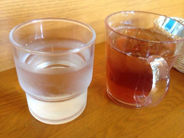 冷水と冷茶.jpg