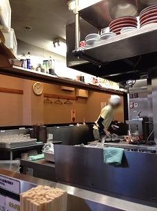 処理済~店主代理とおぼしき人.jpg