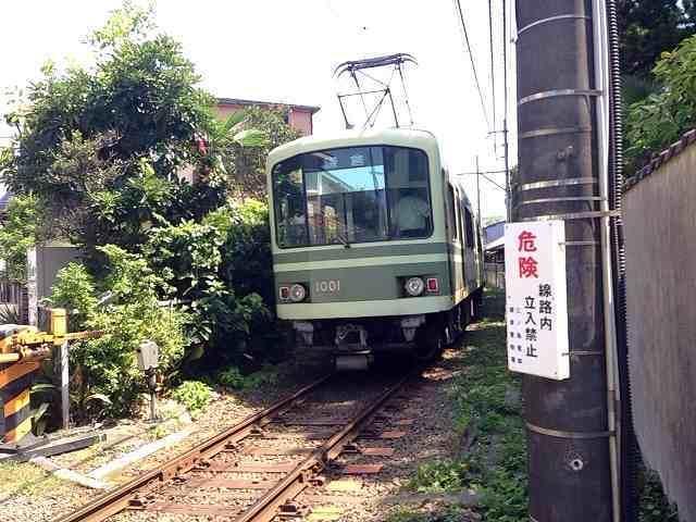 去って行く電車.jpg