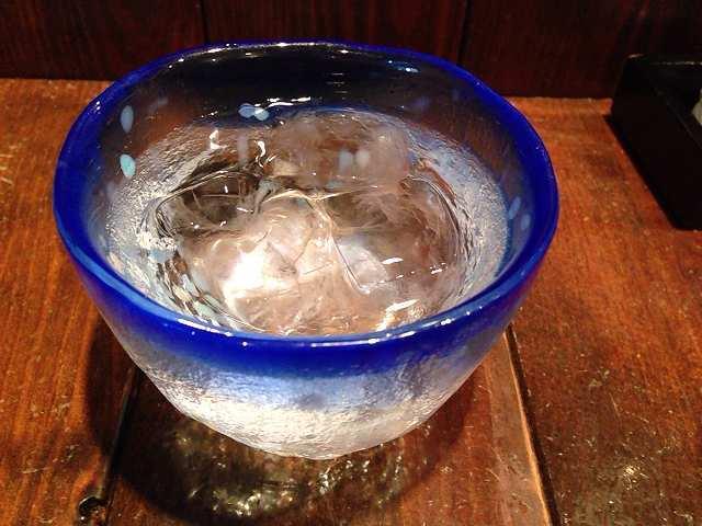 可愛らしいグラスには氷がたっぷり.jpg