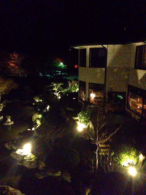 夜の船山館.jpg