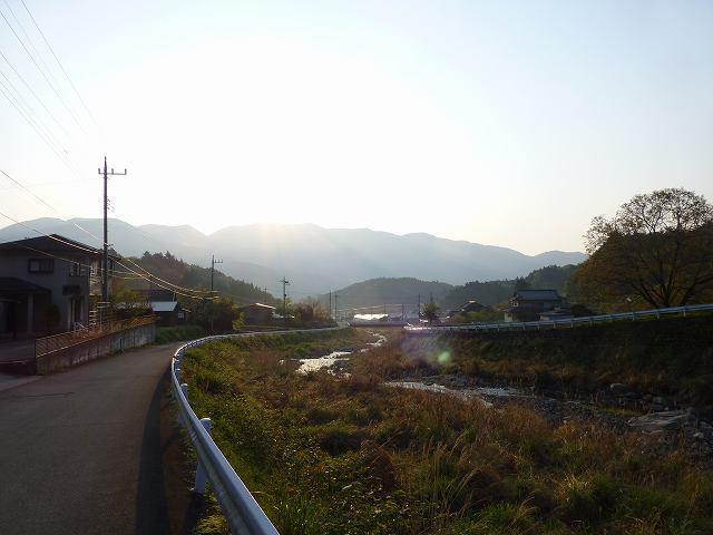 思親山から朝日が.jpg