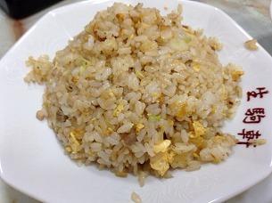 普通サイズの炒飯.jpg