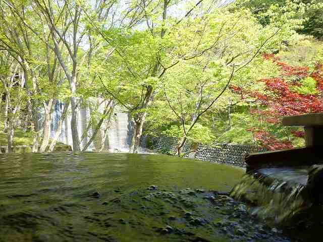 朝の渓流の湯露天2.jpg