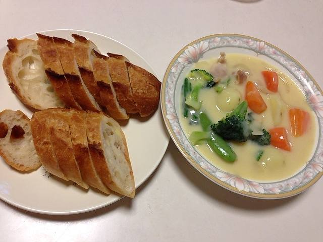 本牧館のパン.jpg