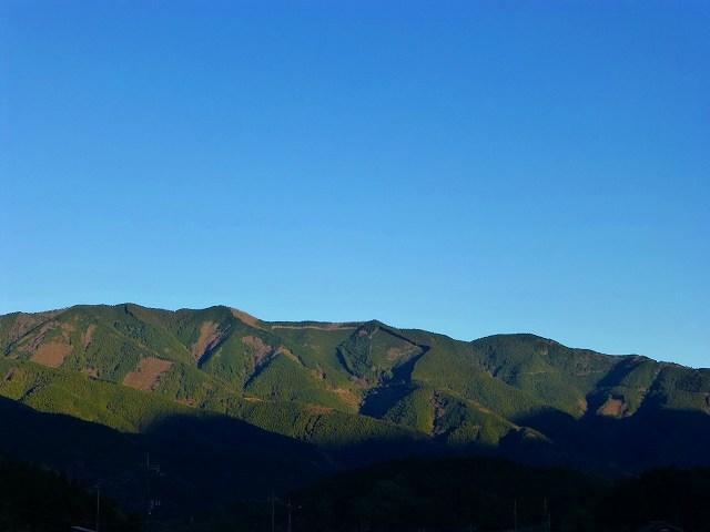 東の山々.jpg