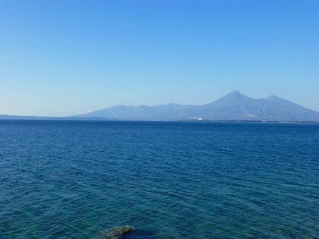 猪苗代湖と磐梯山3.jpg