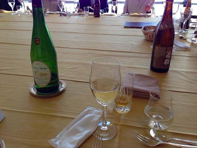 白ワイン&日本酒.jpg