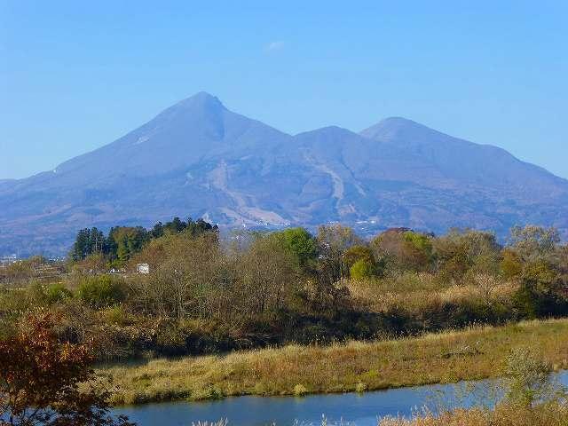 磐梯山を望む.jpg