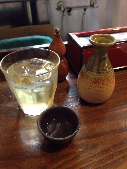 蕎麦茶と磯自慢.jpg