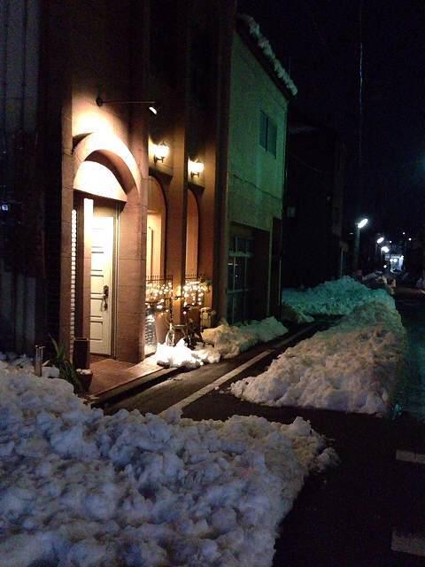 雪かき後のうさこ.jpg