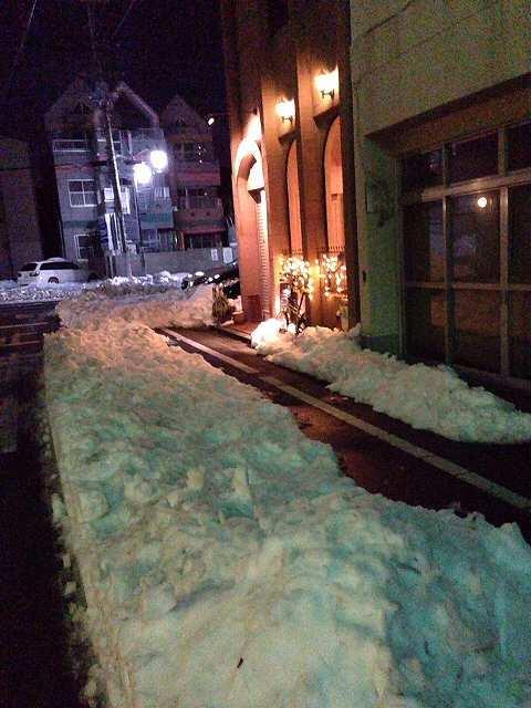 雪と轍とCAFE.jpg