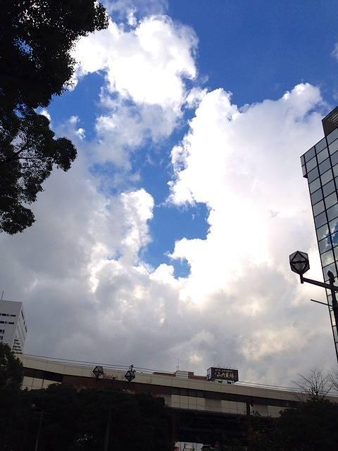 雲の切れ間に.jpg