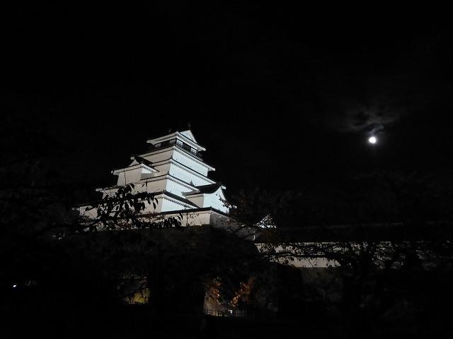 鶴ヶ城と名月1.jpg